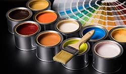 どの塗料を使うかは専門家の意見を参考に
