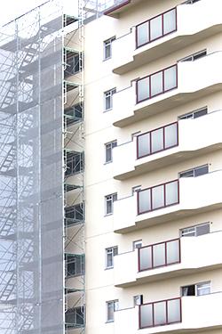 大規模修繕で使われる、外壁塗装の塗料一覧