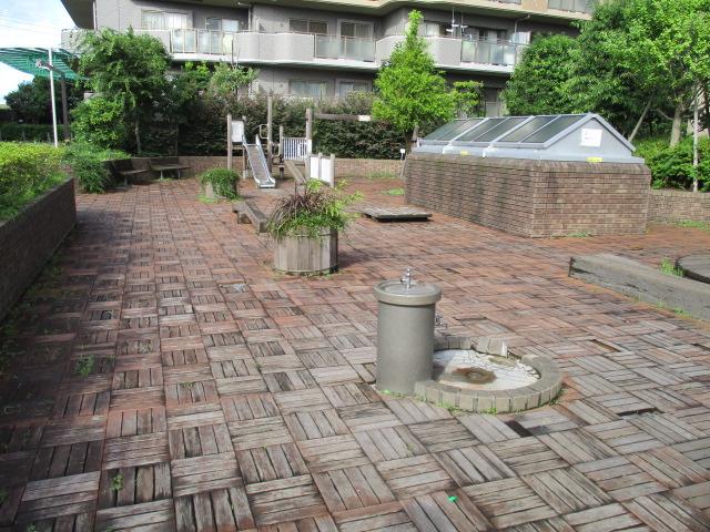 ヴィルクレール二子多摩川 プレイロット再生工事・駐輪場改修工事・中央管理棟改修工事、他