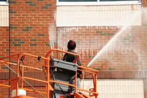 住民も納得のいく外壁洗浄を